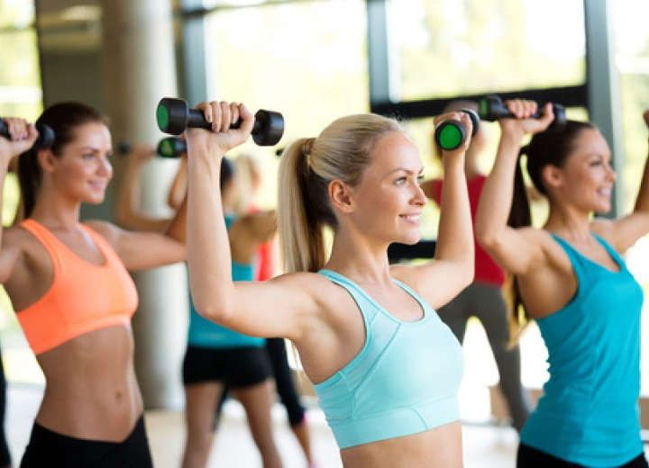 5 εύκολες ασκήσεις που σε κρατούν σε φόρμα