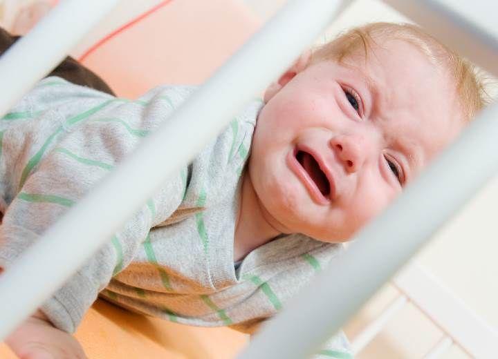 7+1 λόγοι που δεν κοιμάται το μωρό σας