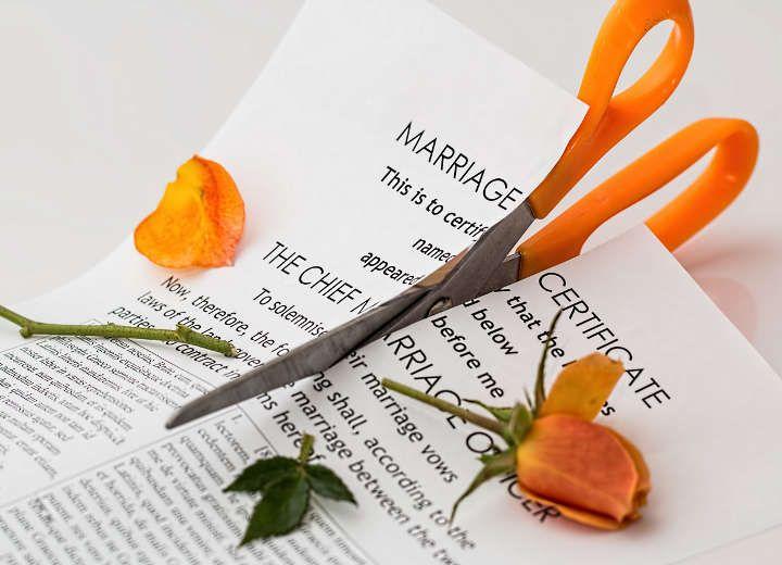 Αιτία διαζυγίου: Ανακαίνιση σπιτιού