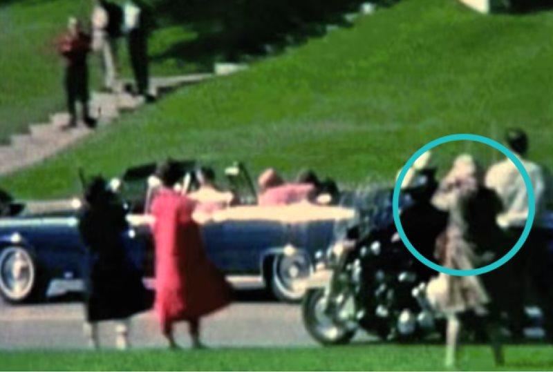 babushka lady: Η μυστηριώδης φιγούρα πίσω από την δολοφονία του Τζον Φ. Κέννεντυ