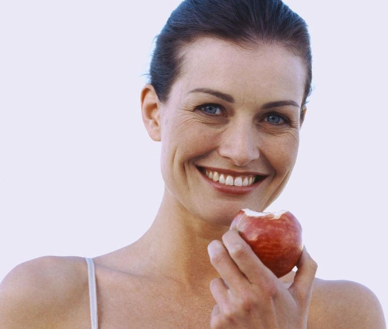 Ένα μήλο την ημέρα… αυξάνει τη γυναικεία λίμπιντο!