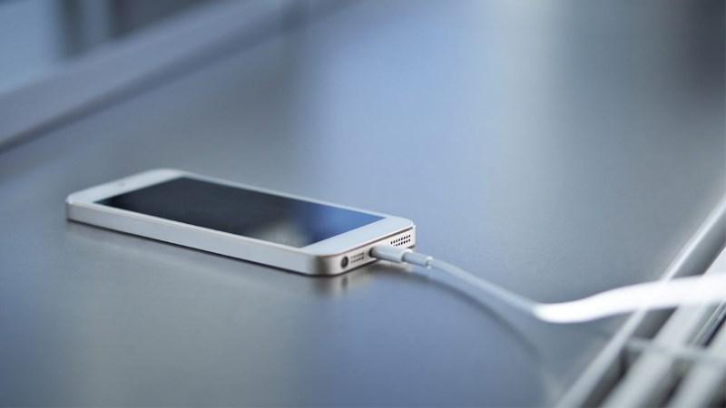 Φόρτιση κινητού: τέσσερις φορές ετησίως