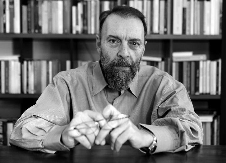 Γιάννης Βλαστάρης: «Η διπλή γλώσσα καλά κρατεί στη ρητορική πολιτικών προσώπων»