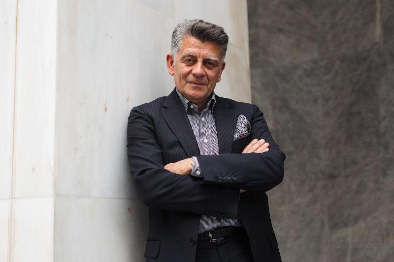 Γιάννος Κουράγιος: «Κοκτέιλ» γνώσης, εμμονής, οράματος και τρέλας