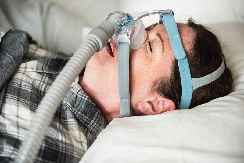 Γιατί μας κόβεται η ανάσα στον ύπνο;