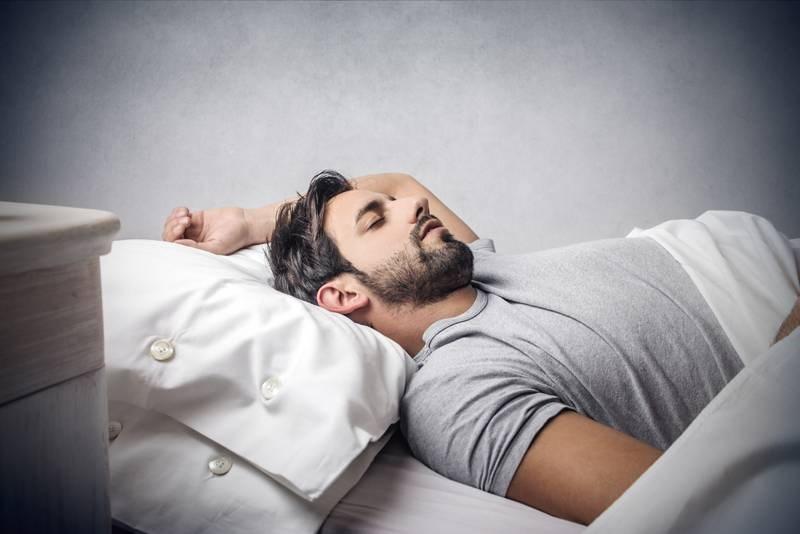 Γιατί οι άνδρες κοιμούνται αμέσως μετά τo σεξ