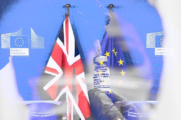 Η ΕΕ έμεινε πίσω από Βρετανία και ΗΠΑ στον αγώνα ταχύτητας για τον εμβολιασμό