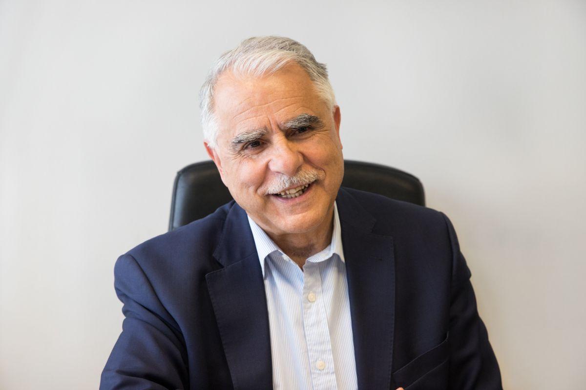 Ο Γιάννης Μπαλάφας, πολιτικός αρθρογραφεί στο greekschannel.