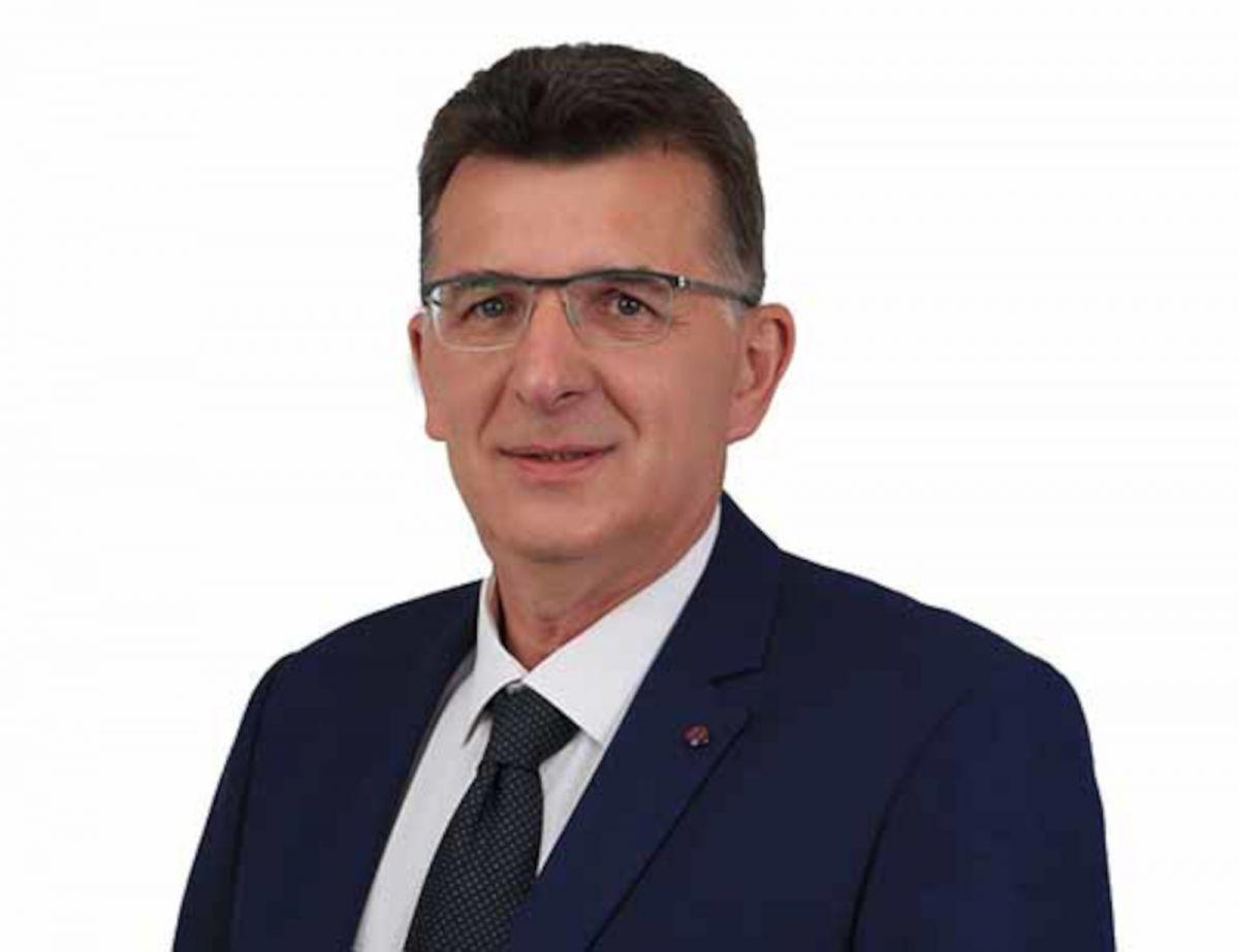 Ο Μπουρχάν Μπαράν, Βουλευτής ΚΙΝΑΛ, Ψυχίατρος αρθρογραφεί στο greekschannel.