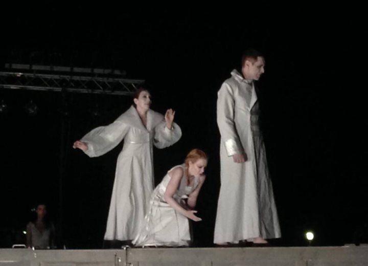 «Ιφιγένεια εν Αυλίδι» του Ευριπίδη  Σε σκηνοθεσία Αιμίλιου Χειλάκη και Μανώλη Δούνια