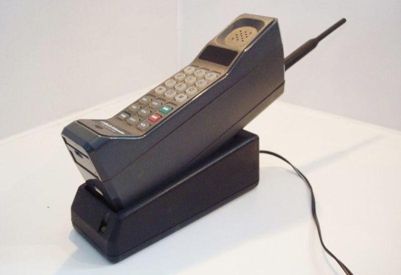 Κινητό Τηλέφωνο: Από «Τούβλο» σε μινιατούρα και πάλι «τούβλο»!