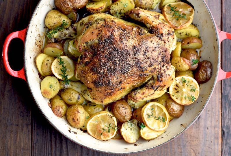 Κοτόπουλο λεμονάτο με πατάτες στο φούρνο