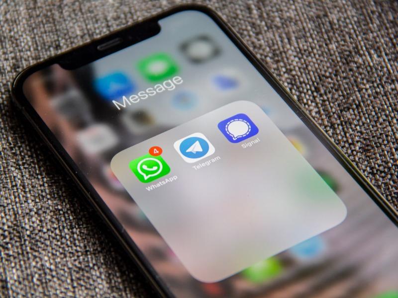 διαβάστε στο greeks channel news πως πέρασαν την whatsapp η signal και η telegram