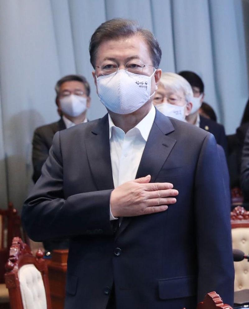 Κύριε Πρωθυπουργέ, που είναι η μάσκα σας?