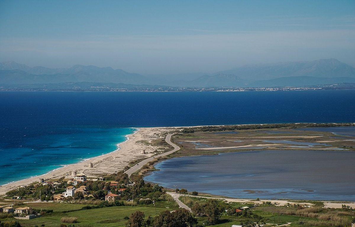 Πόρτο Κατσίκι: Η πιο διάσημη παραλία της Λευκάδας.