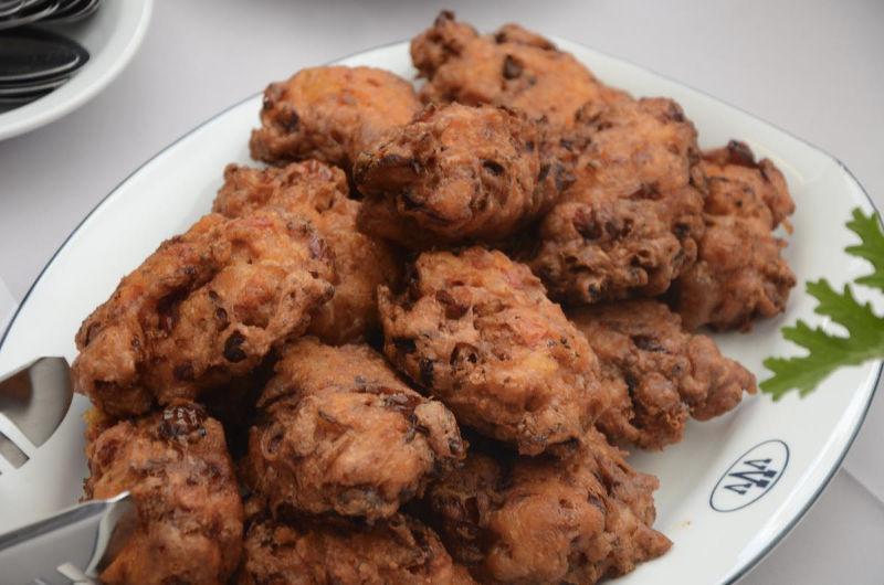 Λιαστοί Ντοματοκεφτέδες: το πιάτο του καλοκαιριού