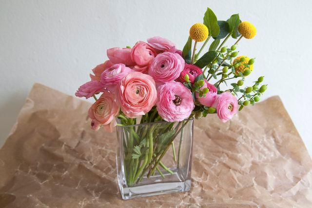 Λουλούδια στο σπιτικό μας - louloudia sto vazo