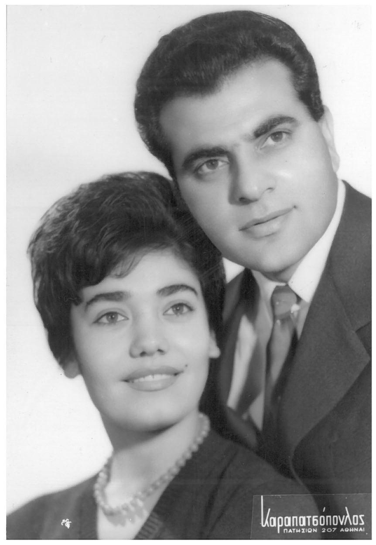 Τον Μάρτιο του 1959 ο Στέλιος Καζαντζίδης με τη Μαρινέλλα τραγουδούν στην «Κομπαρσίτα» στη Νέα Φιλαδέλφεια.