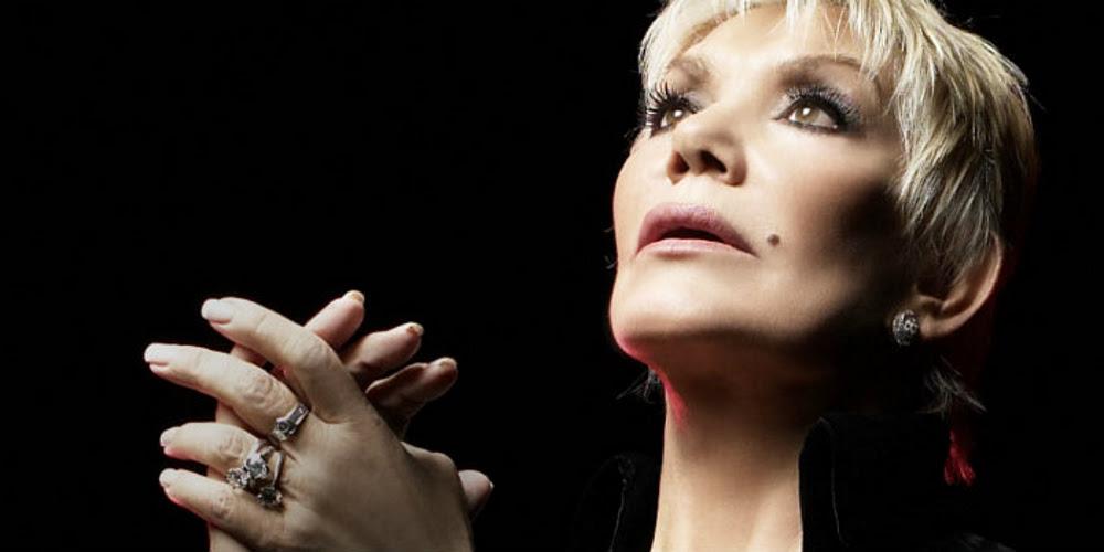 Μαρινέλλα: Η μελίρρυτος μούσα που θαυμάζει όλος ο κόσμος.