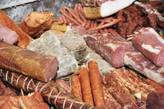 Μάθε ποιες είναι οι πιο καρκινογόνες τροφές! kreata epexergasmena