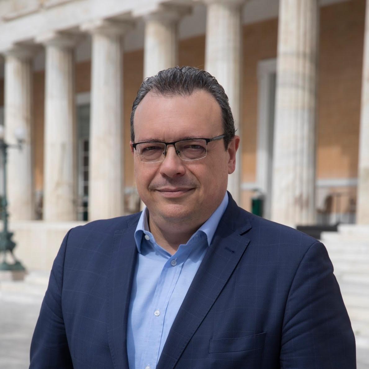 Ο Σωκράτης Φάμελλος, Βουλευτής  ΣΥΡΙΖΑ αρθρογραφεί στο greekschannel.
