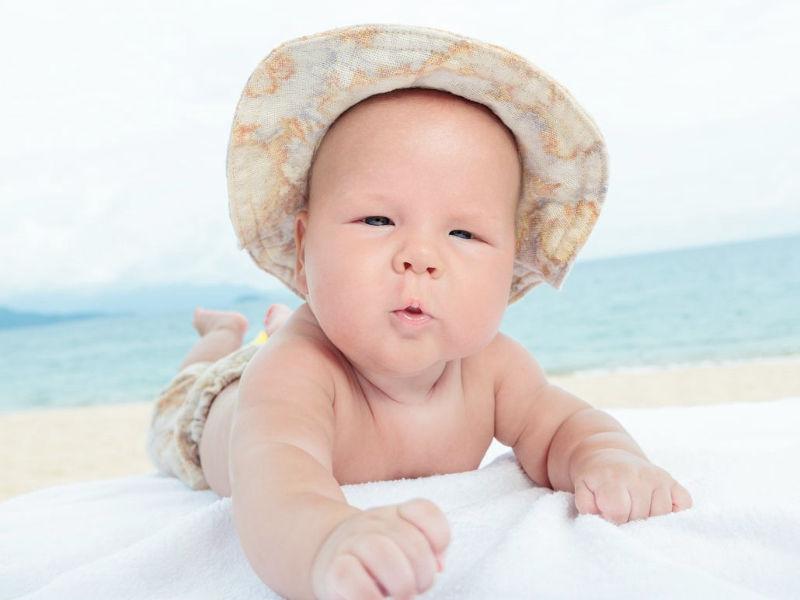 o ήλιος εχθρός για το δέρμα του μωρού σας!