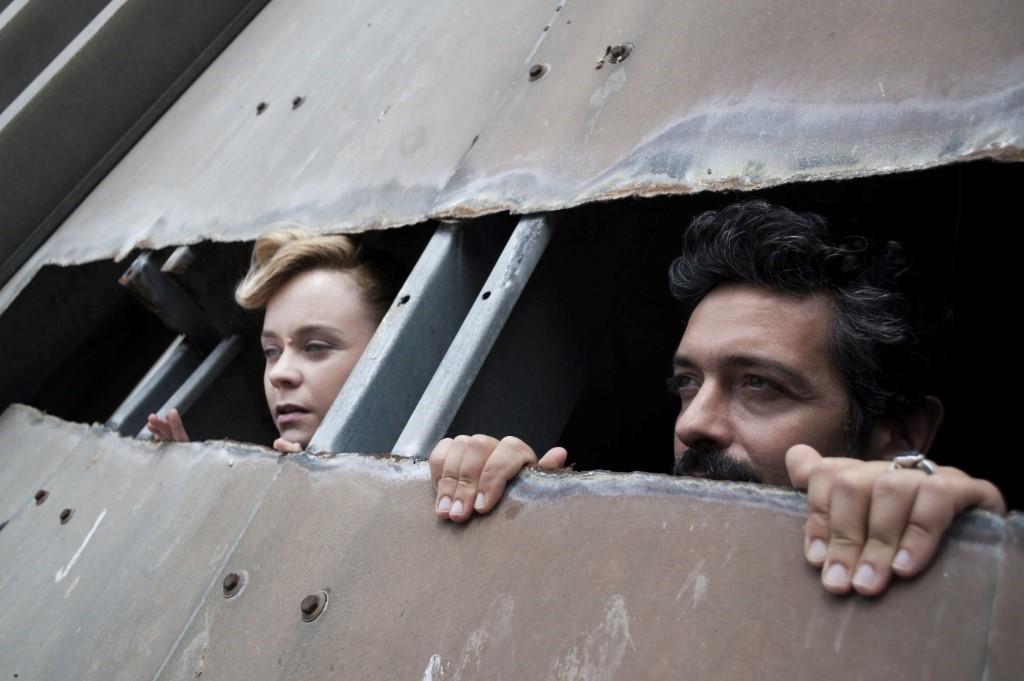 H Λένα Παπαληγούρα στον ρόλο του μικρού Πρίγκιπα, προβάλλεται ondemand από το Δημοτικό Θέατρο Πειραιά.