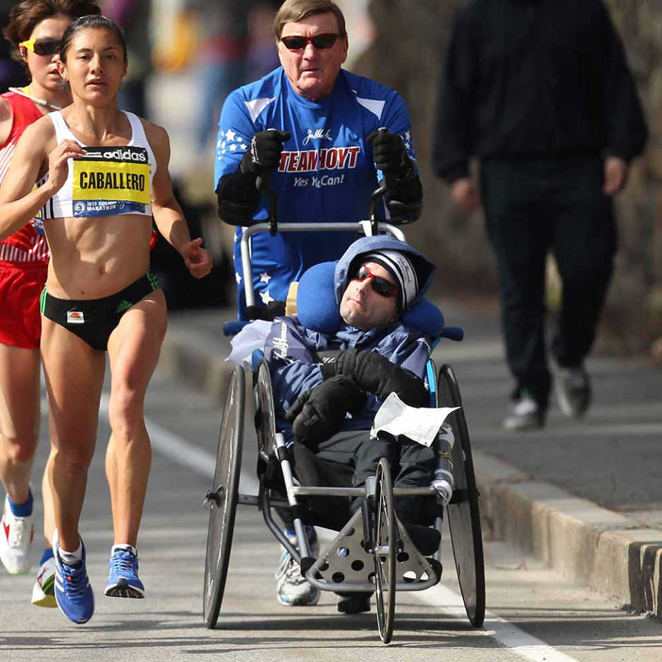 Ο Πατέρας σε όλο του το μεγαλείο! running
