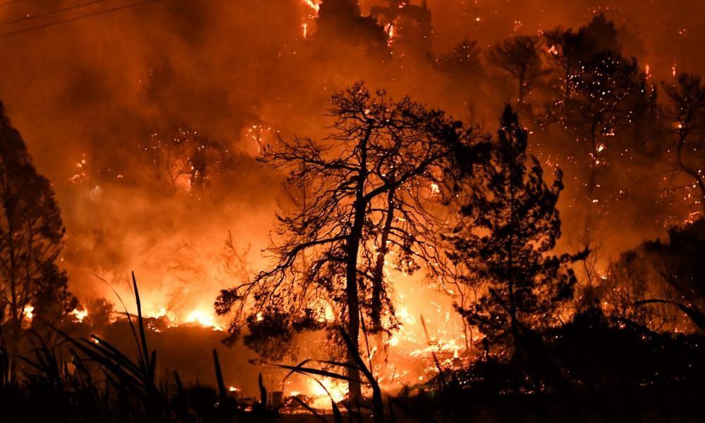 Φωτιές, πυρκαγιές σε όλη την Ελλάδα.