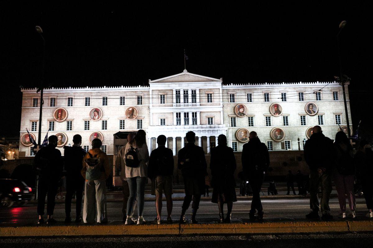 Λάμψη από τους ήρωες της Επανάστασης του 1821 θα παίρνει κάθε βράδυ η Βουλή των Ελλήνων