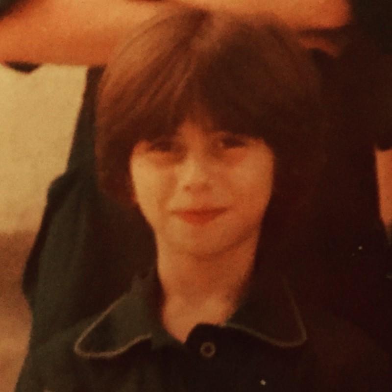 η ζήνα κουτσελίνη σε πολύ μικρή ηλικία στο greekschannel