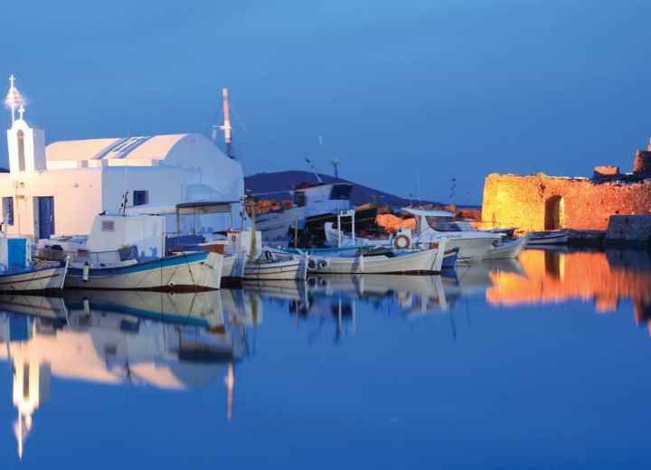 Πάρος: το κατάλευκο νησί