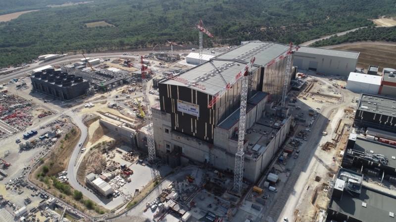 Το πιο μεγάλο πρόβλημα, όμως, του πρότζεκτ ITER για την ώρα είναι το τεράστιο κόστος του