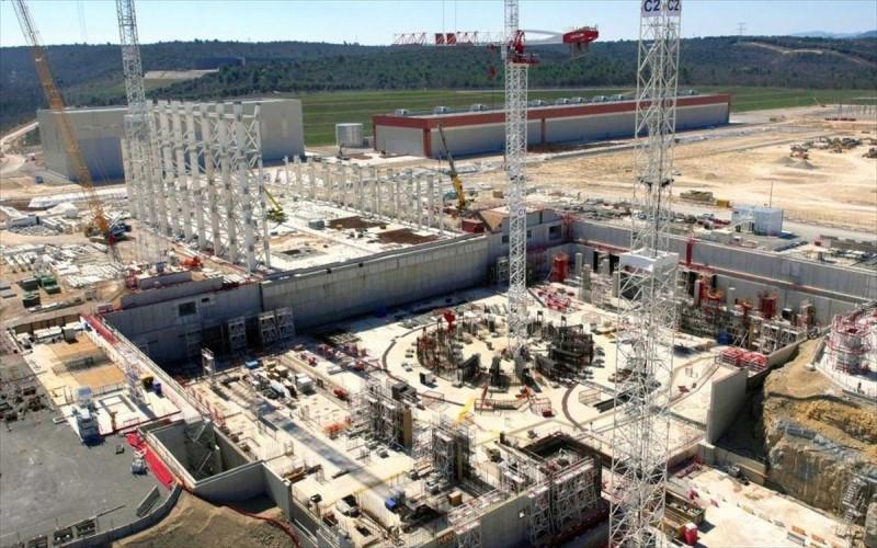 Η διαδικασία συναρμολόγησης θα διαρκέσει μέχρι το τέλος του 2024. Το ITER θα μπορεί να παράξει το πρώτο πλάσμα στο τέλος του 2025
