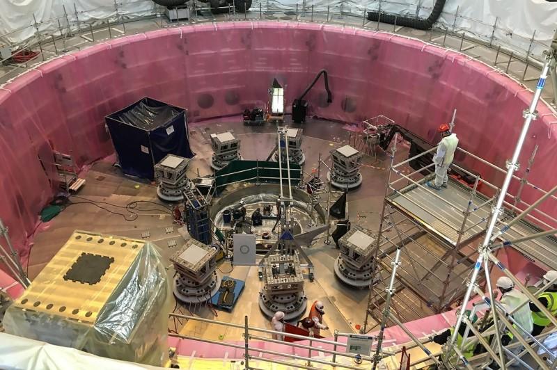 ο τεράστιος αυτός αντιδραστήρας θα επιτρέψει την αναπαραγωγή της αντίδρασης της σύντηξης του υδρογόνου