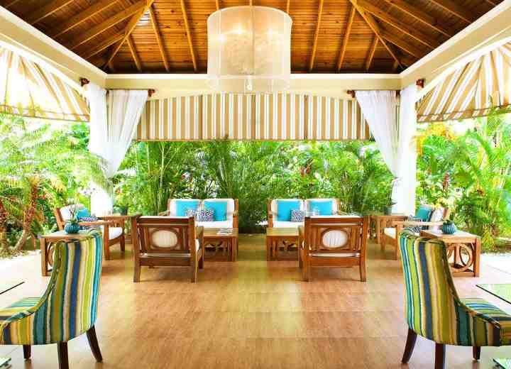 sandy haven resort: Τα γαλαζοπράσινα νερά της Καραϊβικής στα… πόδια σας