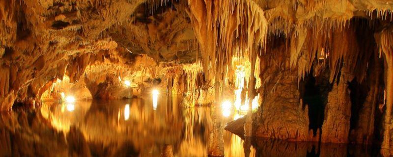 Σπήλαια Διρού: Το θαύμα των θεών και των ανθρώπων…