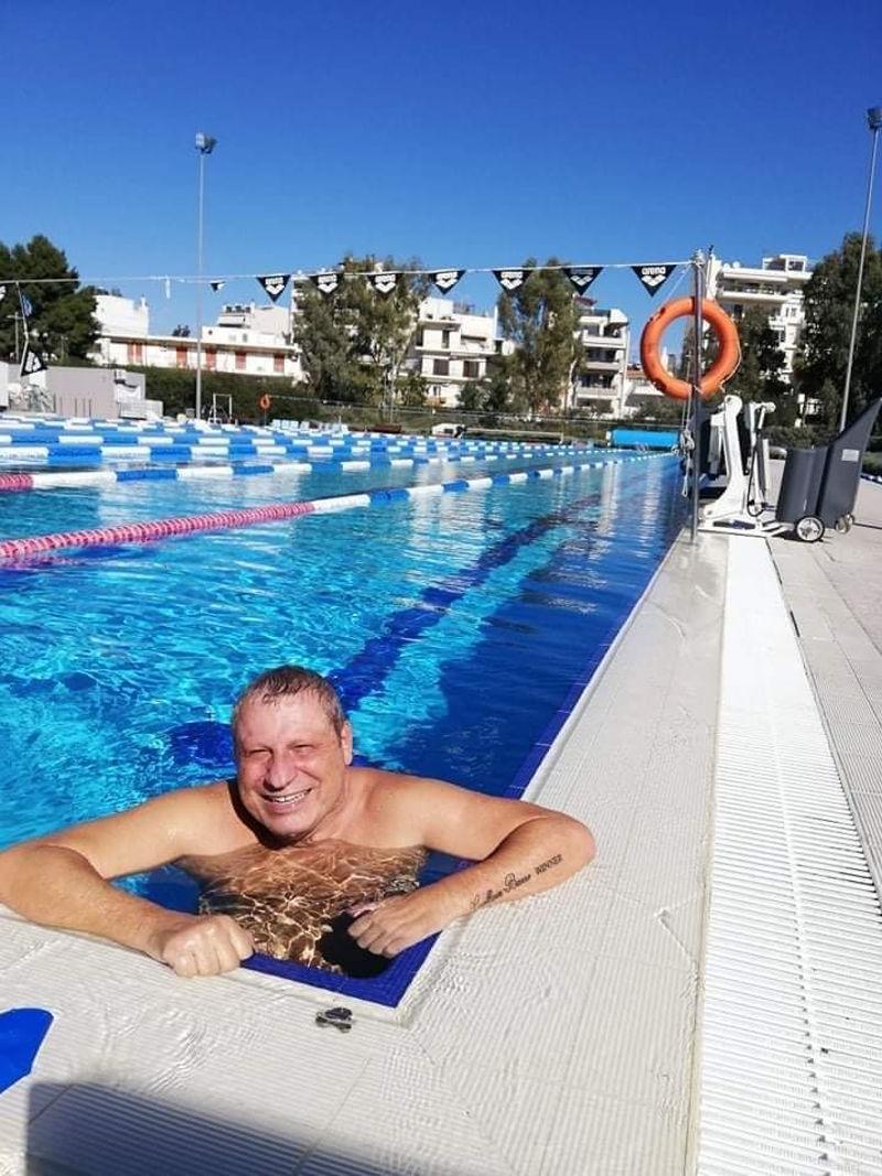 ΣΤΕΛΙΟΣ ΜΑΡΓΩΜΕΝΟΣ: Ασκήσεις σε πισίνα