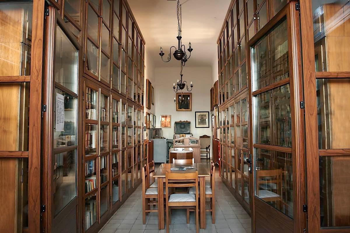 Αρχικός θησαυρός της βιβλιοθήκης στη Δημητσάνα.
