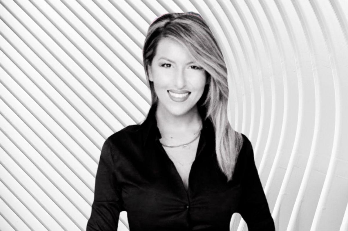 Η Αναστασία Γιάμαλη, γράφει στο greeks channel.