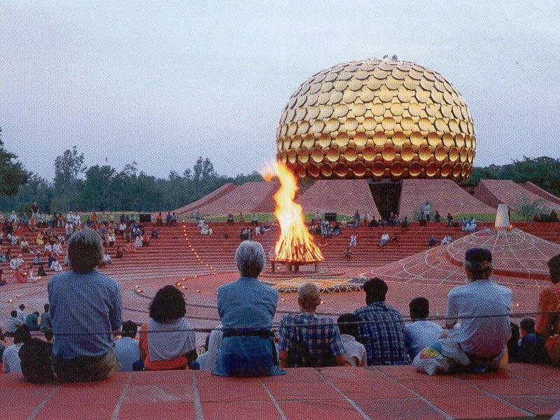 Θρησκείες, χρήμα και πολιτική δεν έχουν θέση στην auroville!