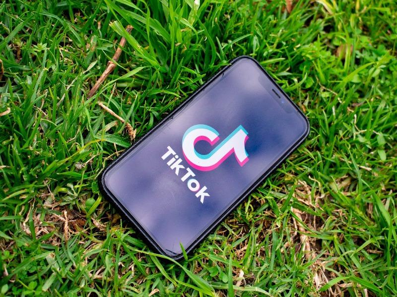 ο TikTok αλλάζει τα δεδομένα της ψηφιακής εποχής και την επικοινωνία των ανθρώπων σε όλο τον κόσμο