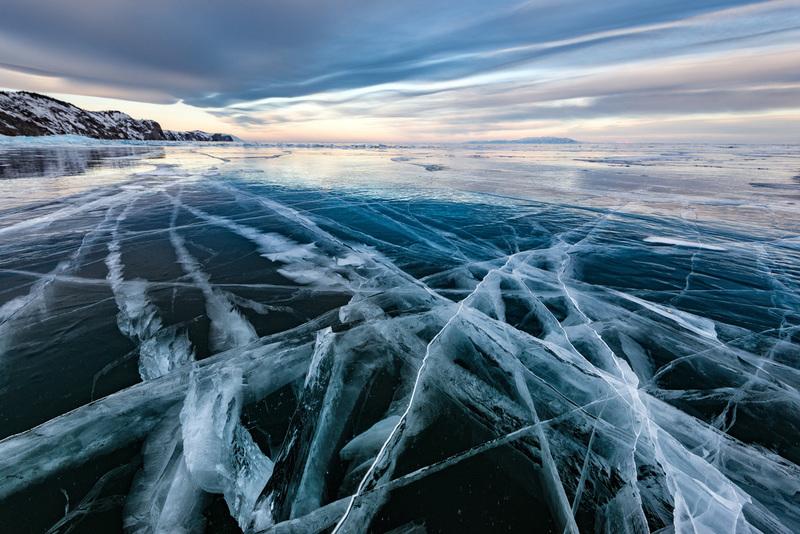 travel photographer 2020: παγωμένη λίμνη - θάλασσα
