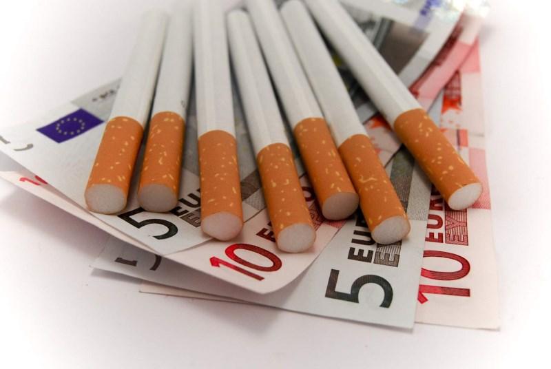 Τσιγάρα με λιγότερη νικοτίνη προτείνει η Αμερική
