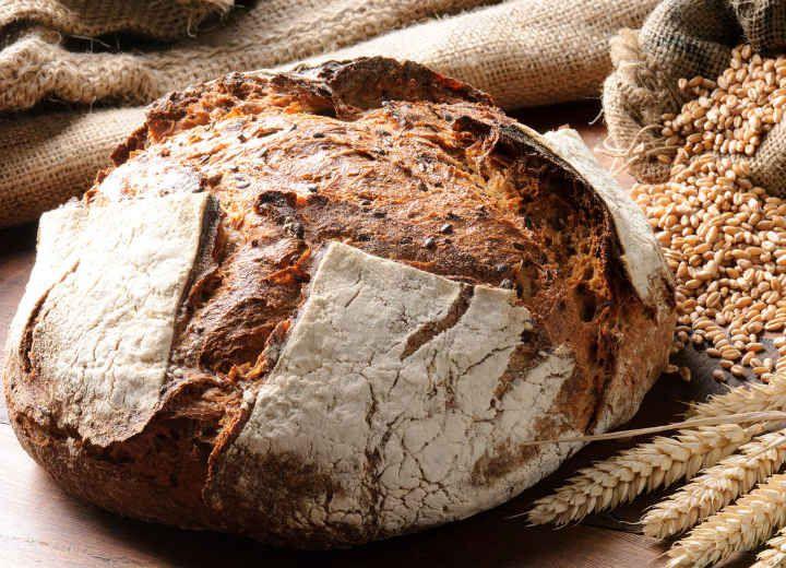 Χωριάτικο σπιτικό ψωμί
