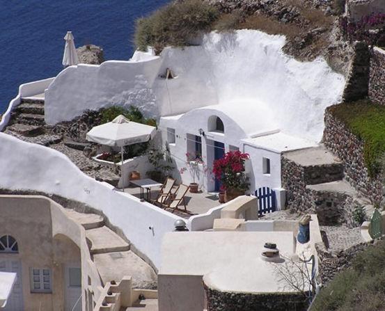 santorini-outside-house-view